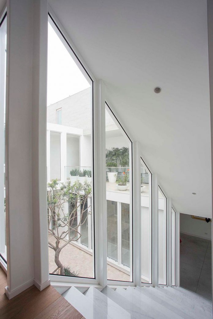 three-levels-band-house-san-isidro-lima-designed-cynthia-seinfield-14