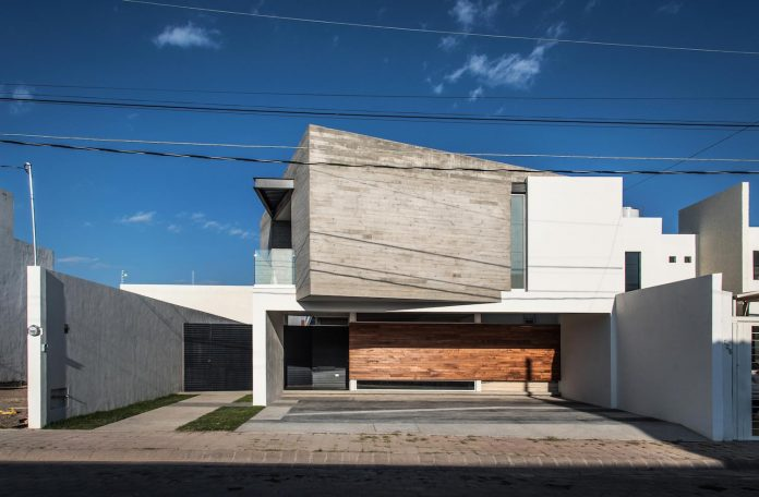 trojes-h-shaped-house-located-aguascalientes-mexico-designed-arkylab-01