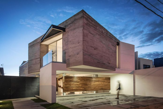 trojes-h-shaped-house-located-aguascalientes-mexico-designed-arkylab-23