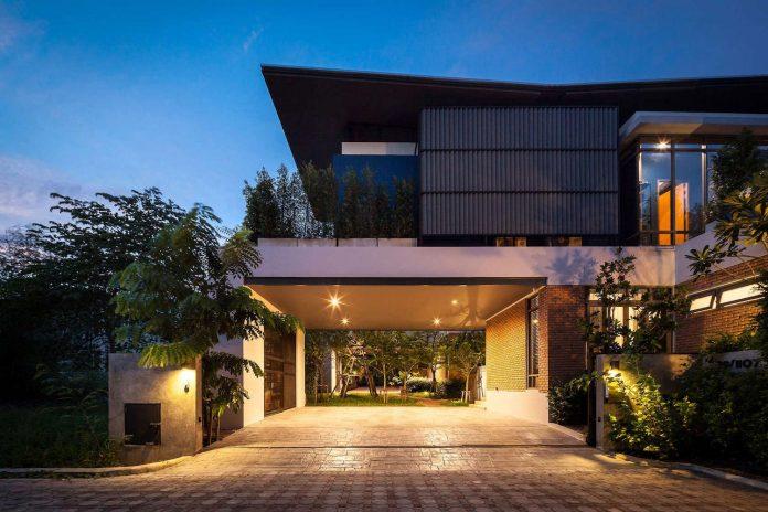 two-houses-nichada-bangkok-designed-alkhemist-architects-17