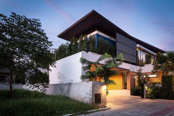 two-houses-nichada-bangkok-designed-alkhemist-architects-18