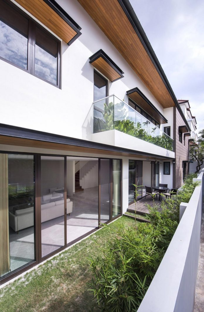 two-story-house-screens-singapore-adx-architects-02