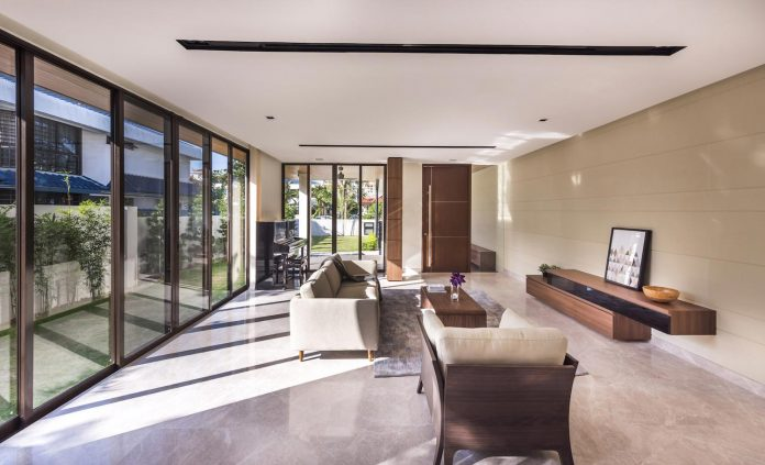 two-story-house-screens-singapore-adx-architects-03