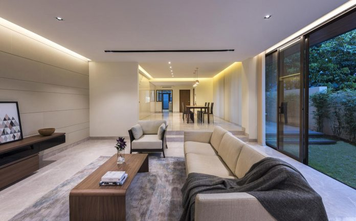 two-story-house-screens-singapore-adx-architects-04