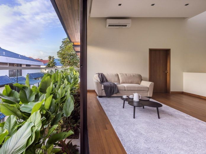 two-story-house-screens-singapore-adx-architects-06