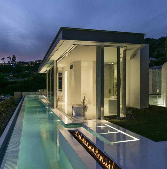 Luxury House In Los Angeles California: Ultramodern Luxury Doheny Residence With Killer Views Over