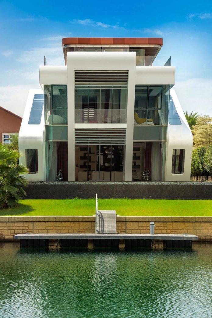 ultramodern-mistral-villa-singapore-designed-mercurio-design-lab-03