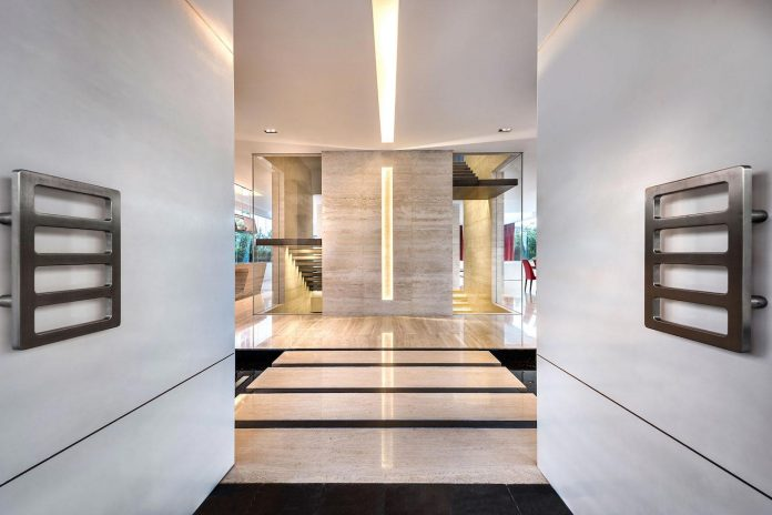 ultramodern-mistral-villa-singapore-designed-mercurio-design-lab-12
