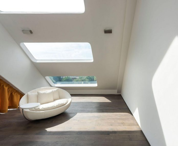 ultramodern-mistral-villa-singapore-designed-mercurio-design-lab-16