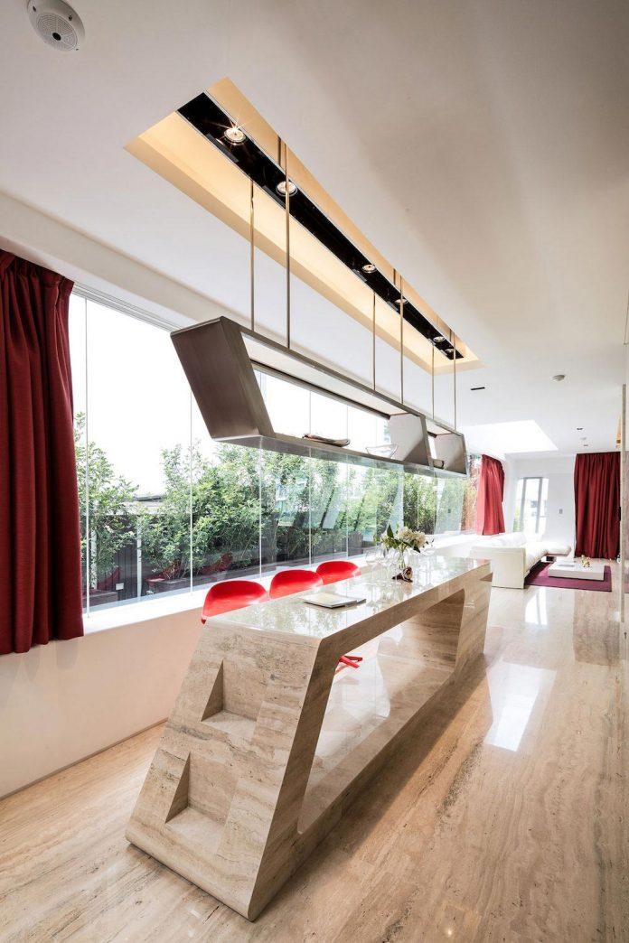 ultramodern-mistral-villa-singapore-designed-mercurio-design-lab-17