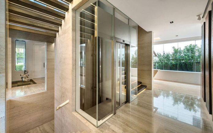 ultramodern-mistral-villa-singapore-designed-mercurio-design-lab-19