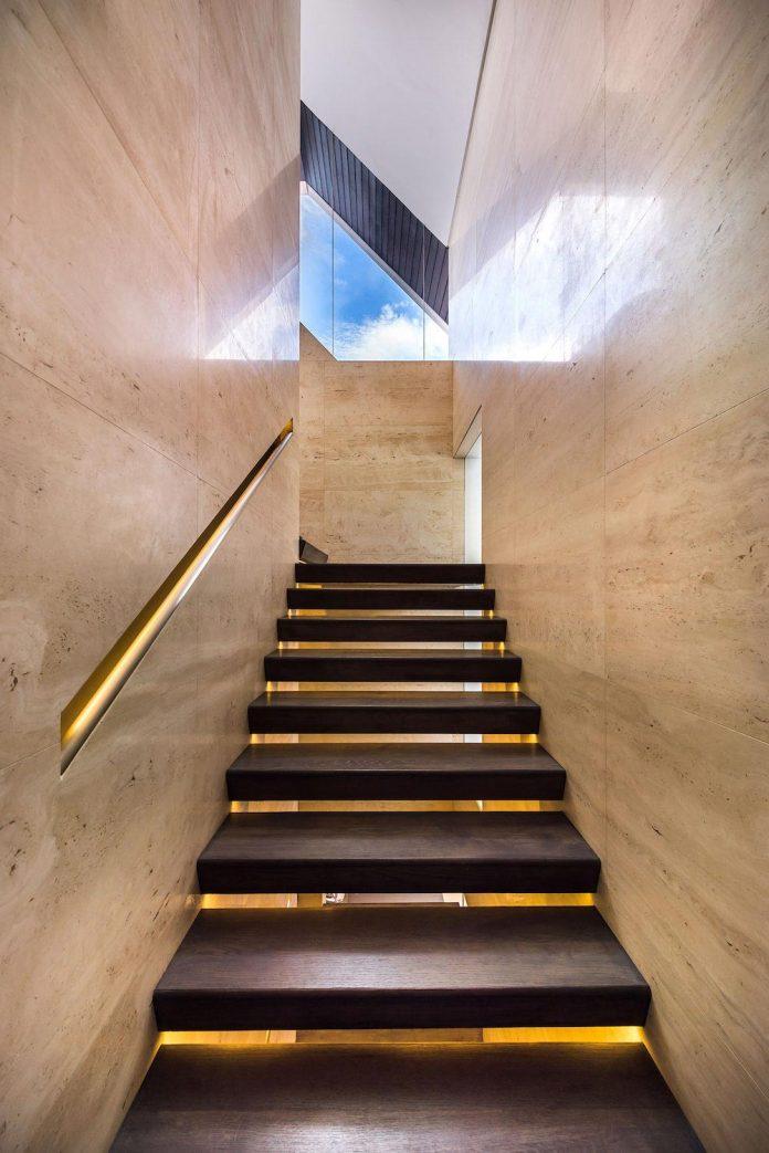 ultramodern-mistral-villa-singapore-designed-mercurio-design-lab-21