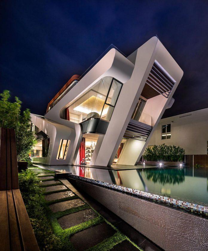ultramodern-mistral-villa-singapore-designed-mercurio-design-lab-25