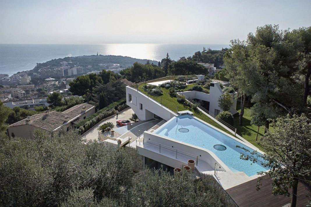 Villa La Madone in the southern of France by 2CM & Ceschia e Mentil on marseille france beach house, venice house, athens house, ukraine house, england house, israel house, barcelona house, nice house, monaco house, bordeaux house, norway house,