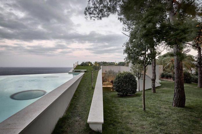 villa-la-madone-southern-france-2cm-ceschia-e-mentil-architetti-associati-05