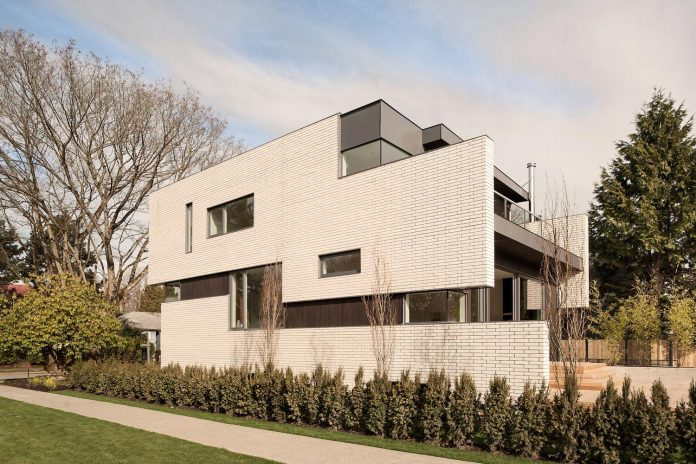 2996-west-11th-residence-punctuated-white-brick-facade-randy-bens-architect-01
