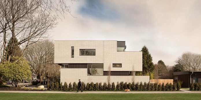 2996-west-11th-residence-punctuated-white-brick-facade-randy-bens-architect-05