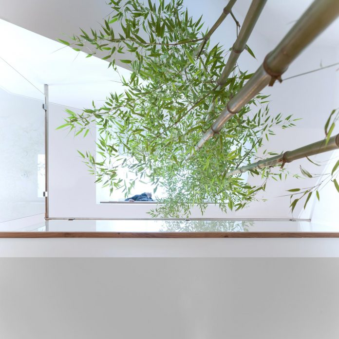 2996-west-11th-residence-punctuated-white-brick-facade-randy-bens-architect-12