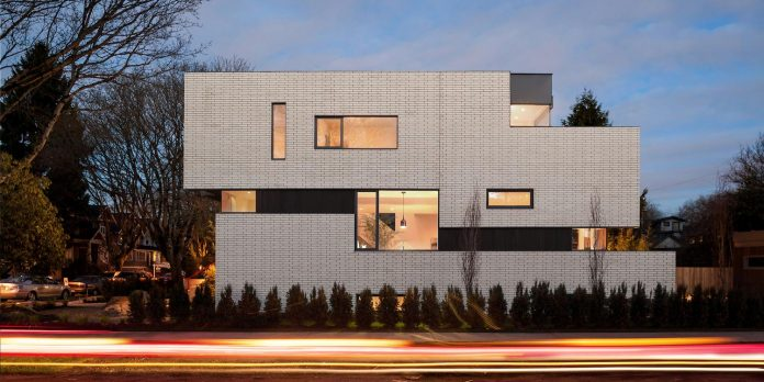 2996-west-11th-residence-punctuated-white-brick-facade-randy-bens-architect-14