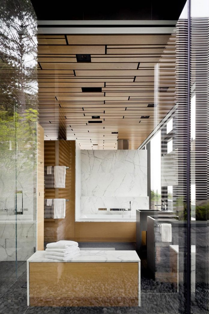 360-house-perched-beach-edge-tree-line-bora-architects-13