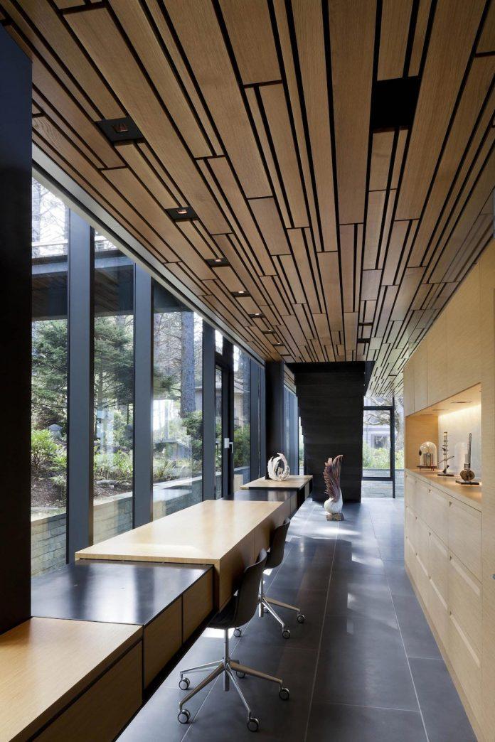 360-house-perched-beach-edge-tree-line-bora-architects-16