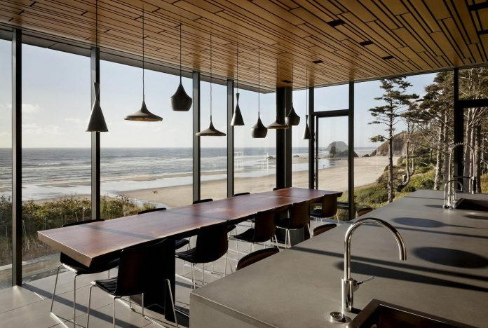 360-house-perched-beach-edge-tree-line-bora-architects-21