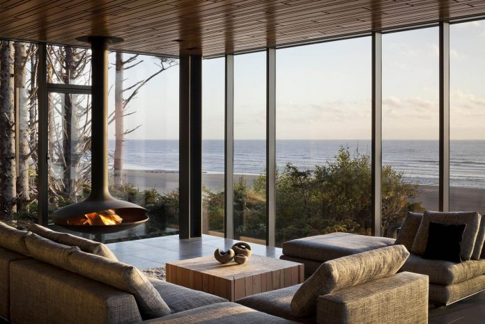 360-house-perched-beach-edge-tree-line-bora-architects-22