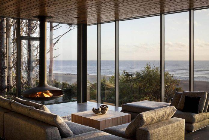 360-house-perched-beach-edge-tree-line-bora-architects-22