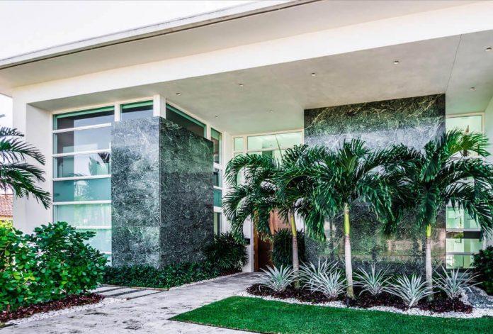 431-alamanda-luminous-home-located-hallandale-beach-florida-designed-enrique-feldman-06