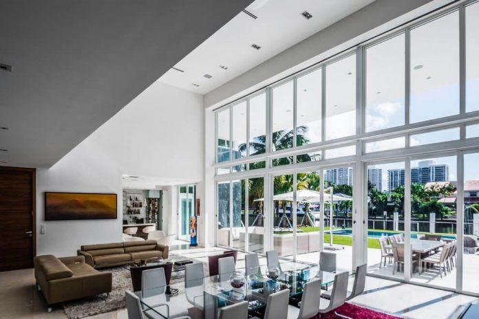 431-alamanda-luminous-home-located-hallandale-beach-florida-designed-enrique-feldman-09