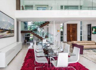 431 Alamanda luminous home located in Hallandale Beach, Florida designed by Enrique Feldman