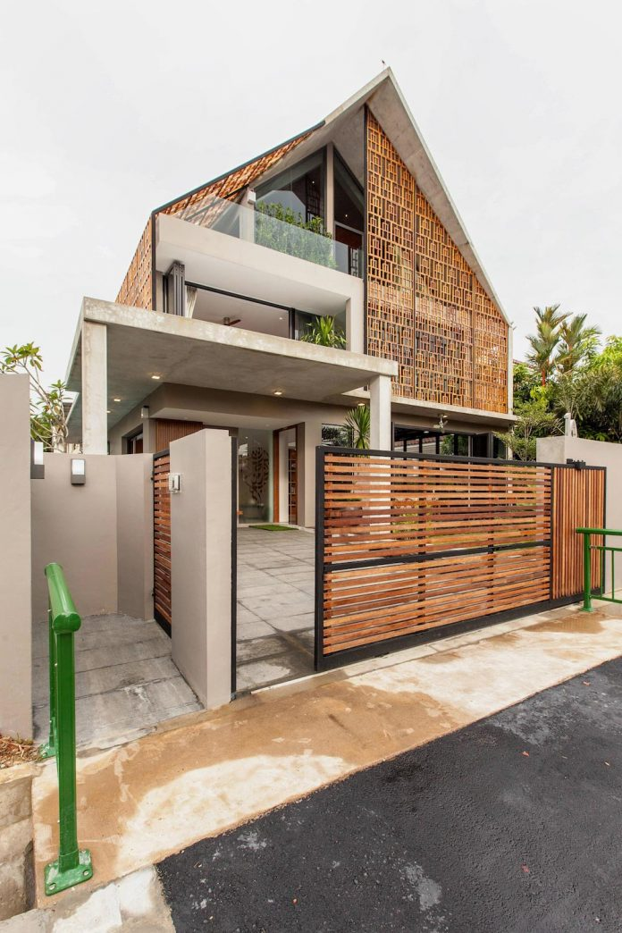 Aamer Architects Design Siglap Plain Villa In Singapore A