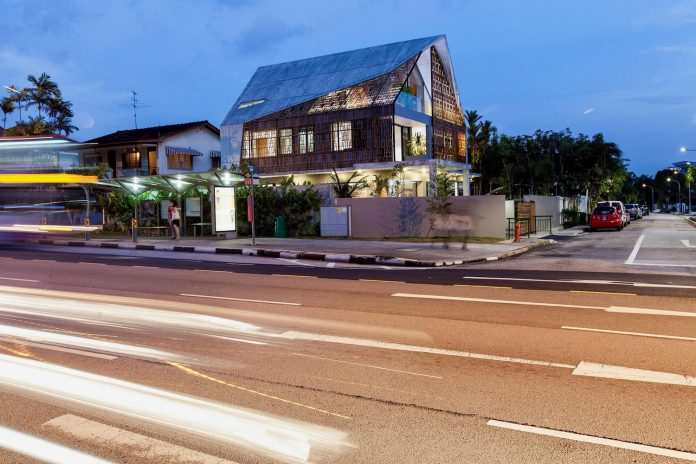 aamer-architects-design-siglap-plain-villa-combination-raw-off-form-concrete-11