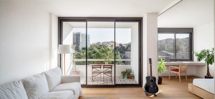 apartment-renovation-barcelona-sixties-residential-building-designed-famous-architect-francesc-mitjans-02
