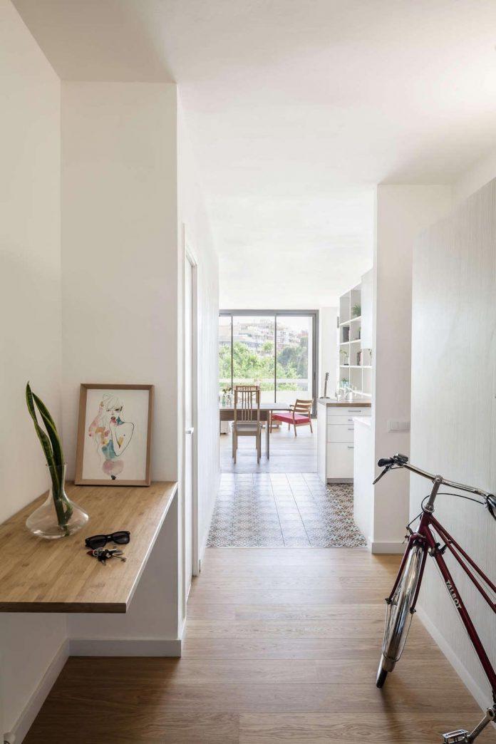 apartment-renovation-barcelona-sixties-residential-building-designed-famous-architect-francesc-mitjans-03