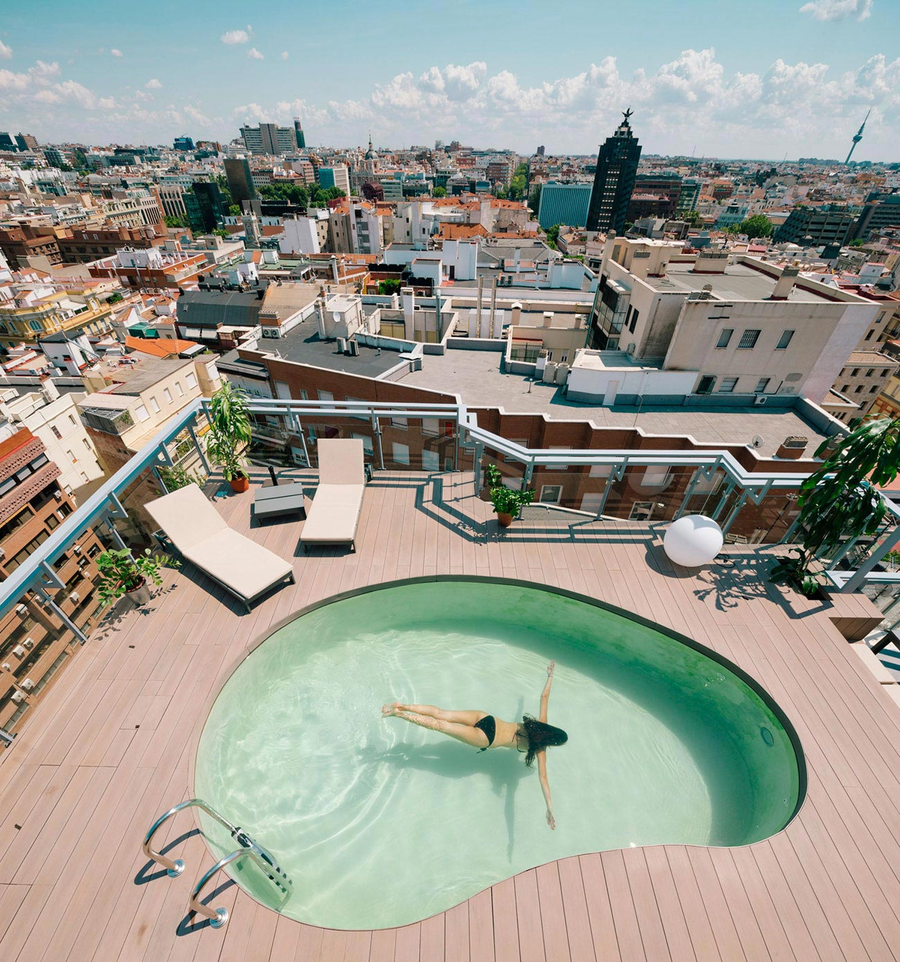 Photos At Pearlridge Gardens Tower Pool: I! Arquitectura Design A Chalet In Madrid, A Top Of The