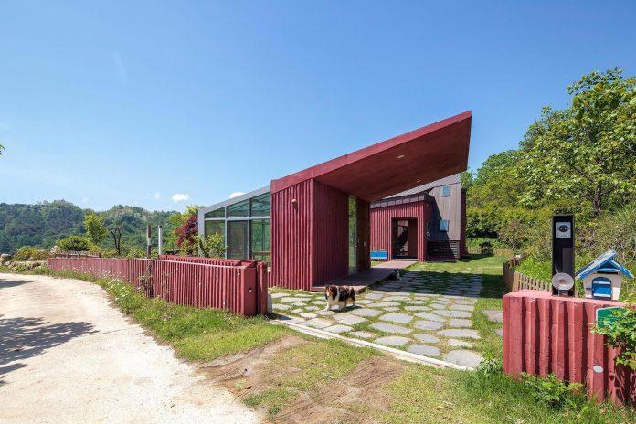 bang-keun-design-jirisan-house-red-home-harmony-natural-earth-toned-materials-04