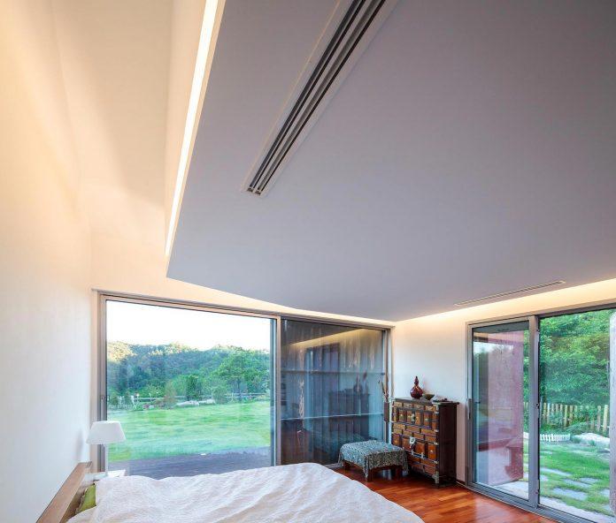 bang-keun-design-jirisan-house-red-home-harmony-natural-earth-toned-materials-06