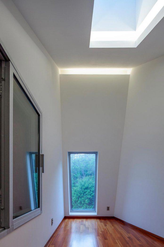 bang-keun-design-jirisan-house-red-home-harmony-natural-earth-toned-materials-07