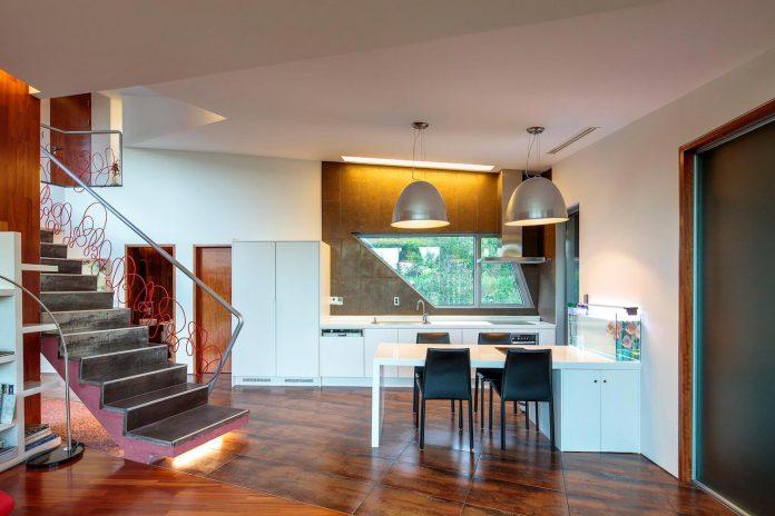 bang-keun-design-jirisan-house-red-home-harmony-natural-earth-toned-materials-08
