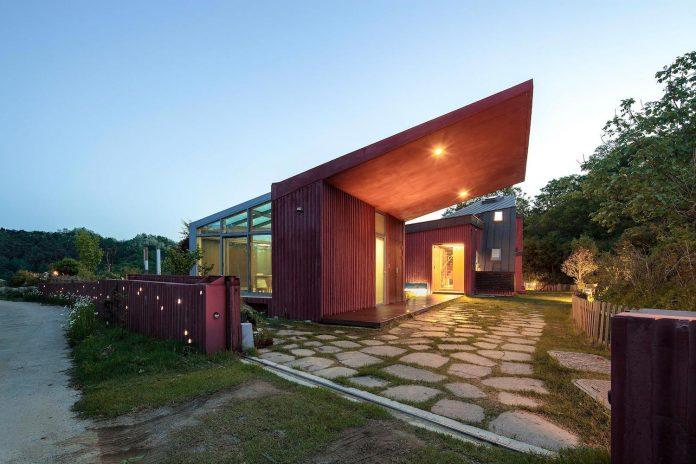 bang-keun-design-jirisan-house-red-home-harmony-natural-earth-toned-materials-12