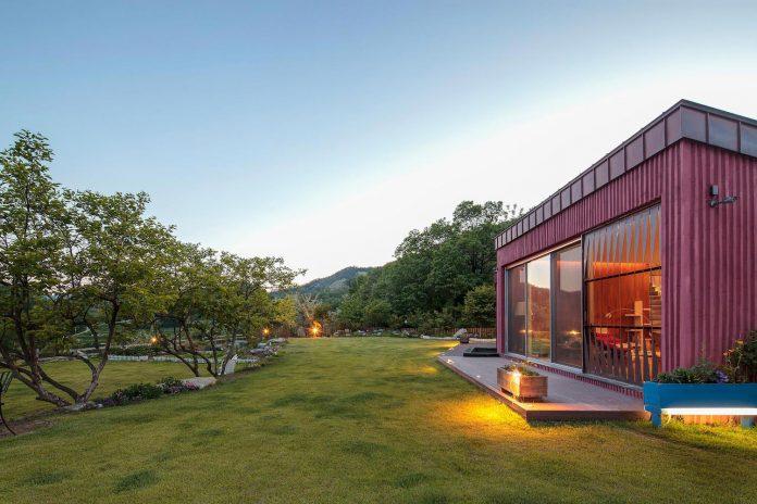 bang-keun-design-jirisan-house-red-home-harmony-natural-earth-toned-materials-13