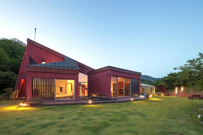 bang-keun-design-jirisan-house-red-home-harmony-natural-earth-toned-materials-16