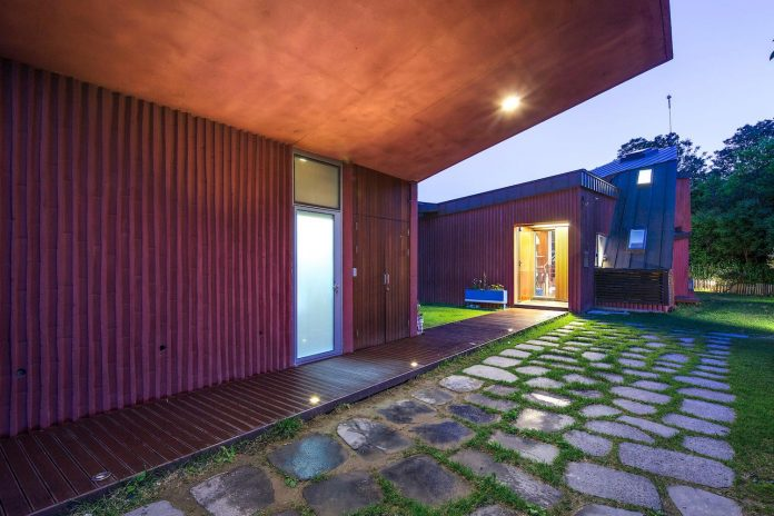 bang-keun-design-jirisan-house-red-home-harmony-natural-earth-toned-materials-17