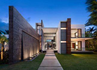 Charlotte Dunagan Design Group design Casa Clara, a modern luxurious clean lined house set on the Venetian Island of Miami Beach