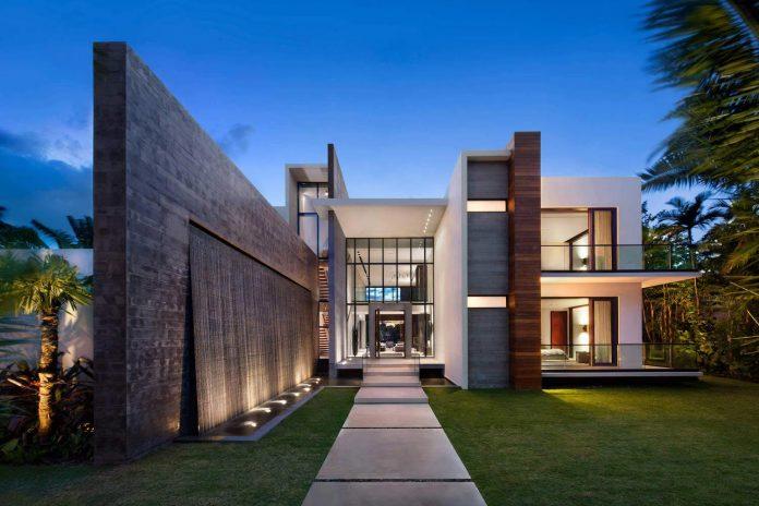 charlotte-dunagan-design-group-design-casa-clara-modern-luxurious-clean-lined-house-set-venetian-island-miami-beach-01