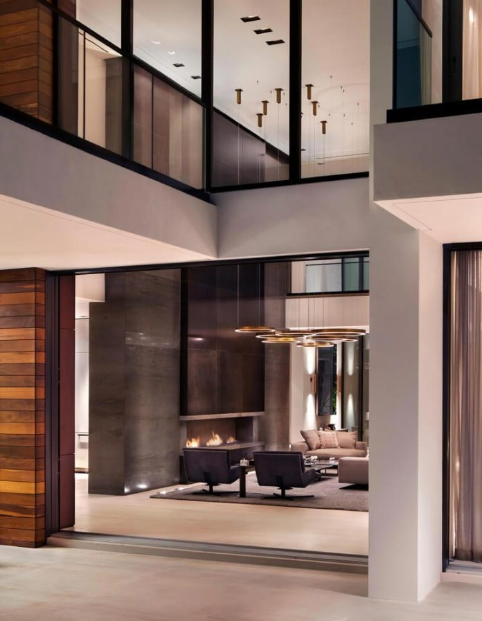 charlotte-dunagan-design-group-design-casa-clara-modern-luxurious-clean-lined-house-set-venetian-island-miami-beach-02