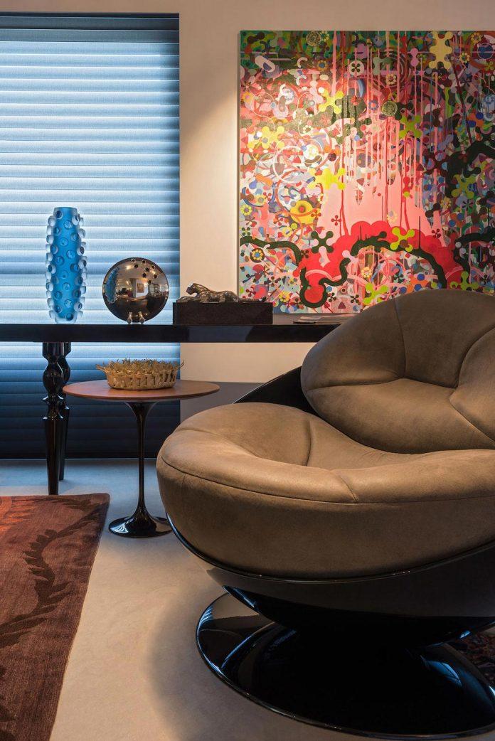 colourful-apartment-belo-horizonte-art-collector-lover-strong-colours-designed-2arquitetos-06