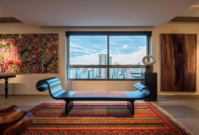 colourful-apartment-belo-horizonte-art-collector-lover-strong-colours-designed-2arquitetos-09
