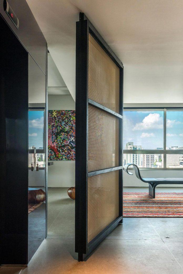 colourful-apartment-belo-horizonte-art-collector-lover-strong-colours-designed-2arquitetos-12